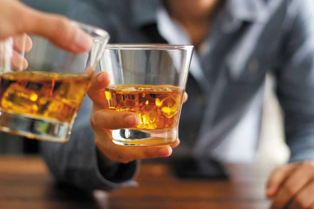 مصرف بیش از حد الکل